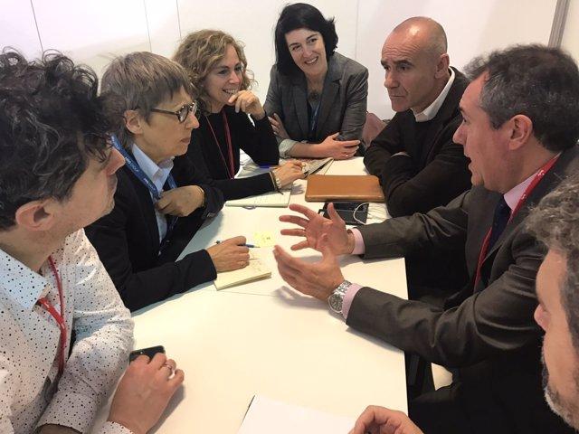 Reunión del Ayuntamiento de Sevilla y EFA