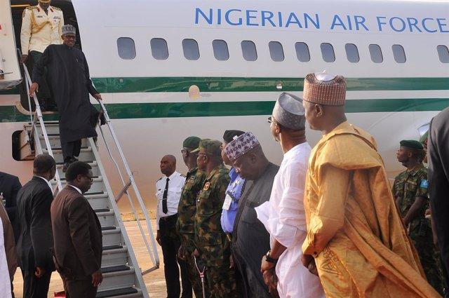 Muhammadu Buhari regresa a Nigeria