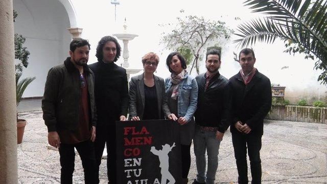 Ruz (izda.), junto a los organizadores de 'Flamenco en tu Aula'