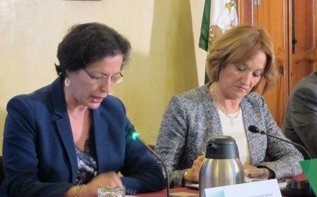 La delegada de la Junta en Almería y la consejera de Agricultura de Andalucía