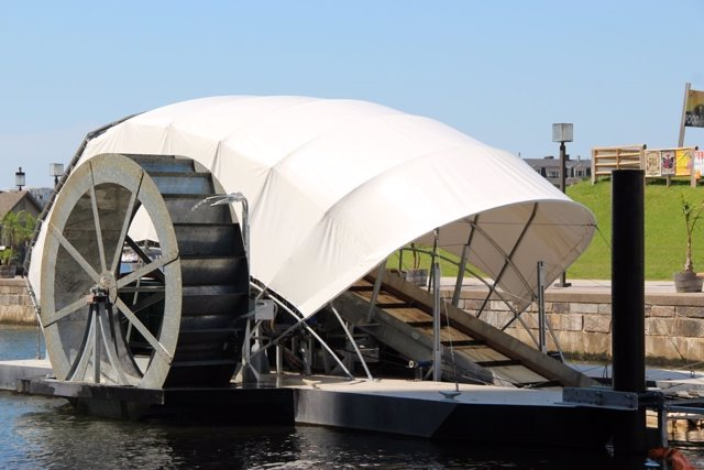 'Mr. Trash Wheel', Barco Que Recoge Basura De Las Aguas Del Puerto De Baltimore.