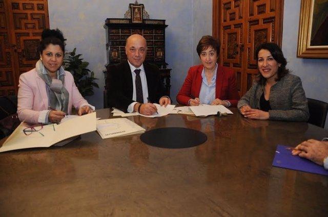 Ruiz, durante la renonvación de los convenios de colaboración