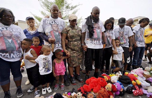 La familia de Michael Brown en el aniversario de la muerte del joven en Ferguson