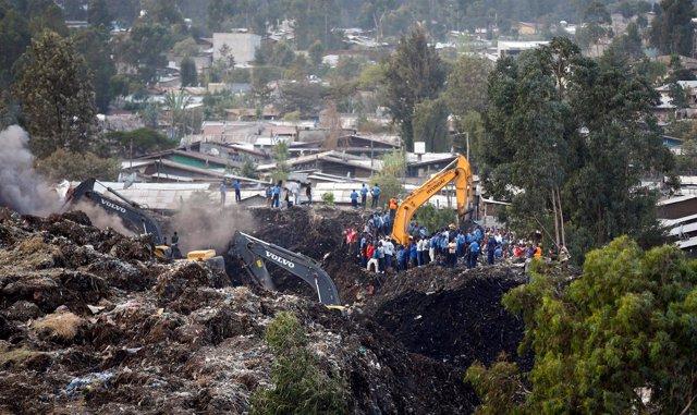 Avalancha en un vertedero de Adís Abeba