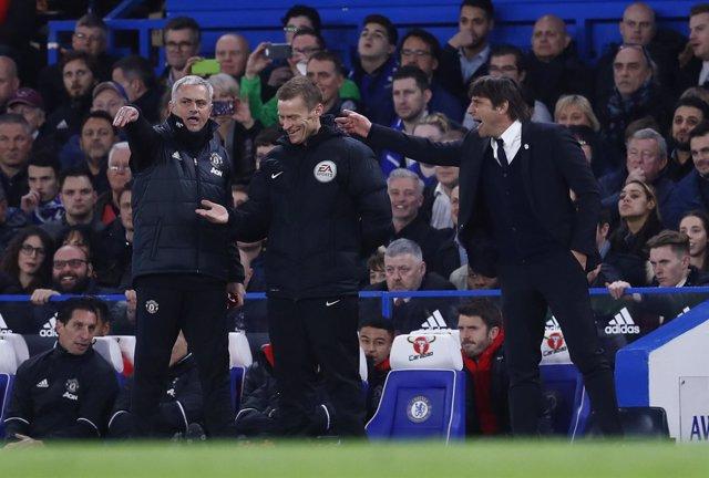 José Mourinho Antonio Conte Chelsea Manchester United FA Cup