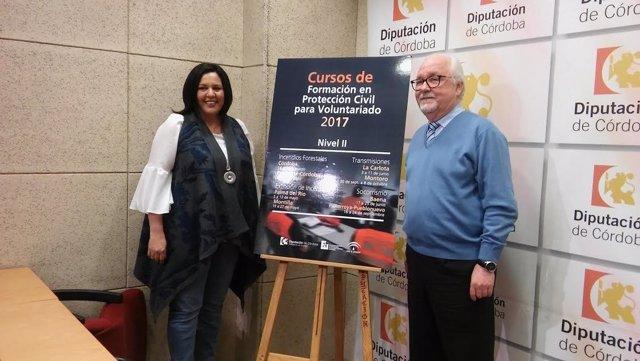 Amo y Muñoz durante la presentación de los cursos