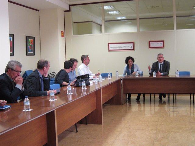 Olona y Gómez han presidido esta reunión sobre el lindano