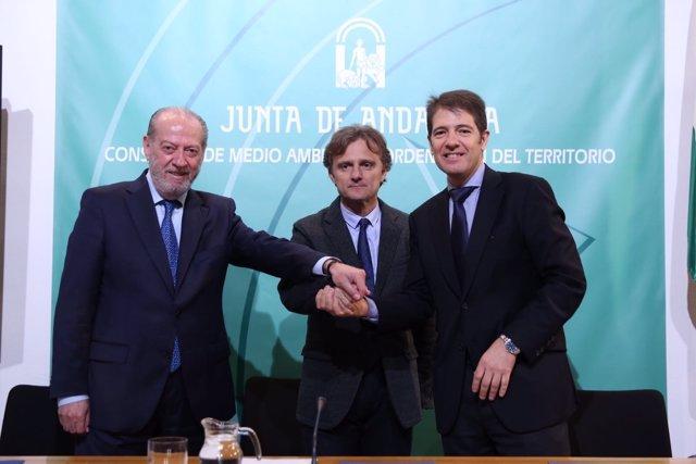 Fernando Rodríguez Villalobos, José Fiscal y Óscar Martín