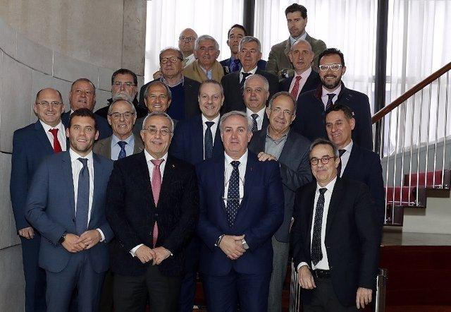 Alejandro Blanco rodeado de presidentes de federaciones olímpicas