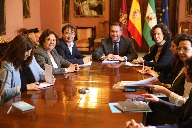 Juan Espadas preside la reunión de la RECC