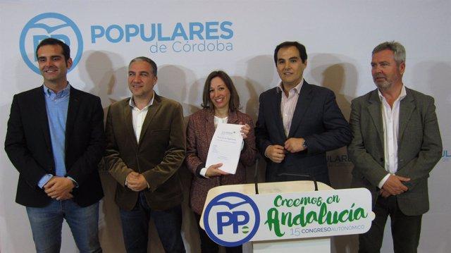 Patricia Navarro con Nieto, Bendodo, Fernández-Pacheco y García Fuentes