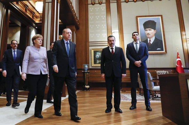 Angela Merkel y Recep Tayyip Erdogan se reúnen en Ankara.
