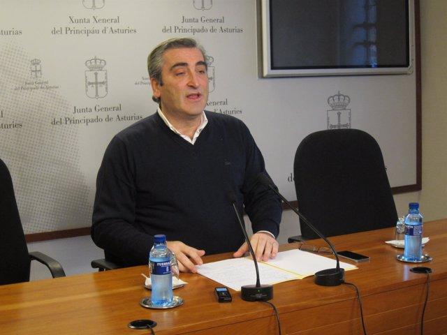 El Diputado Y Portavoz De Sanidad Del PP En La Junta General, Carlos Suárez.