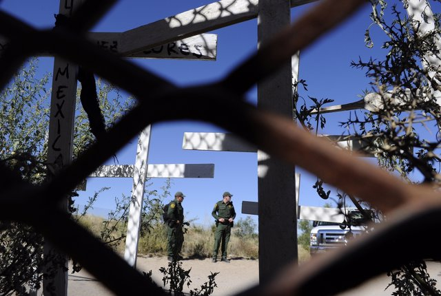 Migrante mexicano muere tras colgarse en una celda de EEUU