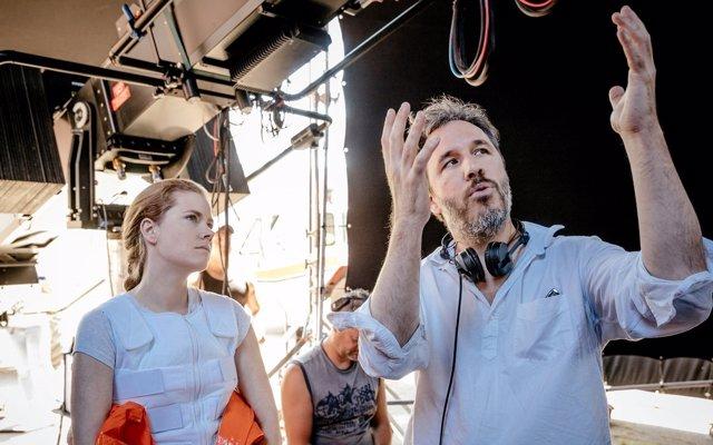 Amy Adams y el director Denis Villeneuve en La llegada