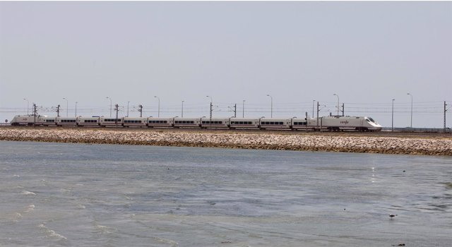 Renfe aumenta la oferta de Alvia entre Cádiz y Madrid