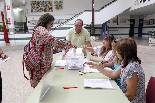 Imagen de archivo de una votación sobre la jornada continua