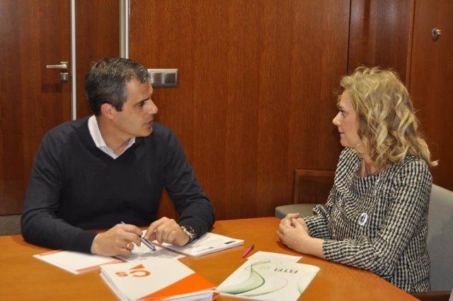 Javier Martínez (Cs) y la presidenta de ATA