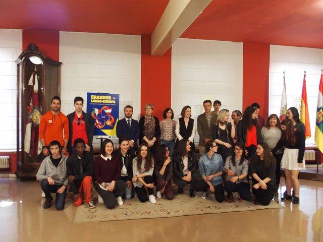 Imagen de Gamarra y los estudiantes de Erasmus +