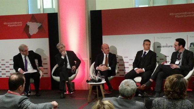 El ministro de Economía, Luis de Guindos, en las jornadas de 'The Economist'