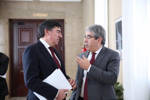 José Antonio Bermúdez de Castro y Francesc Homs en el Congreso