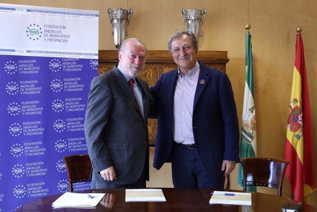 Villalobos y Lobatón firman convenio entre la FAMP y la QSD