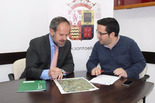 Algar (izda.) y Álvarez, durante su encuentro
