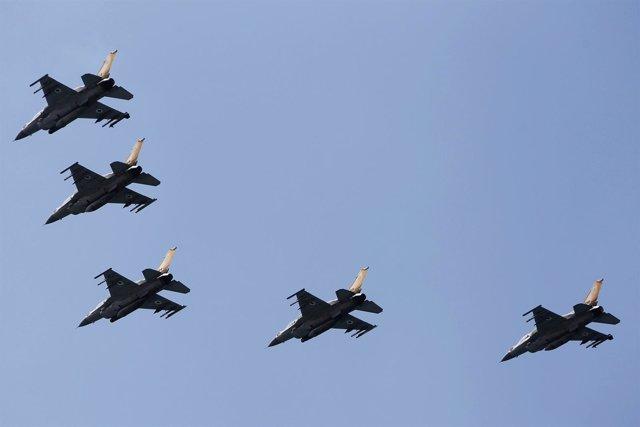 Aviones de guerra F16 de Israel