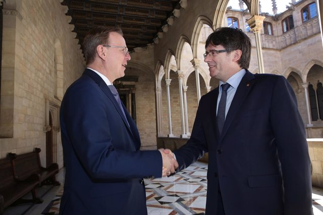 Puigdemont se reúne con el presidente de Turingia en la Generalitat