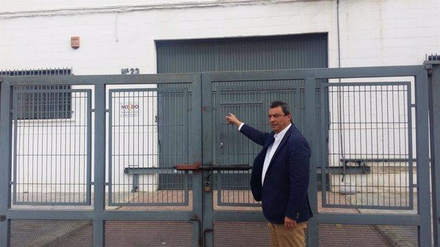 Ignacio Flores avisa del cierre de la imprenta.
