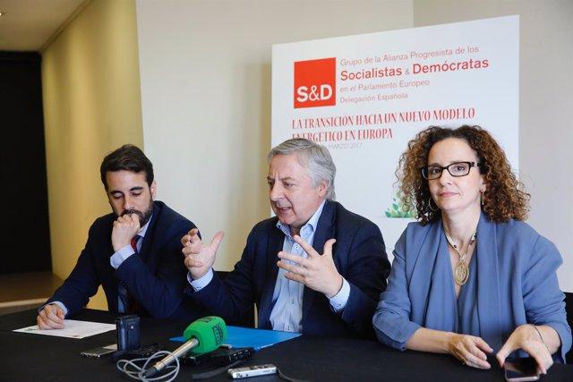 El eurodiputado del PSOE José Blanco en una rueda de prensa en Madrid