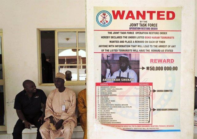 Cartel de búsqueda y captura de  Abubakar Shekau, líder de Boko Haram.