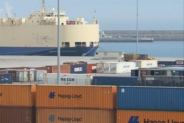 El déficit comercial se reduce un 27% hasta noviembre