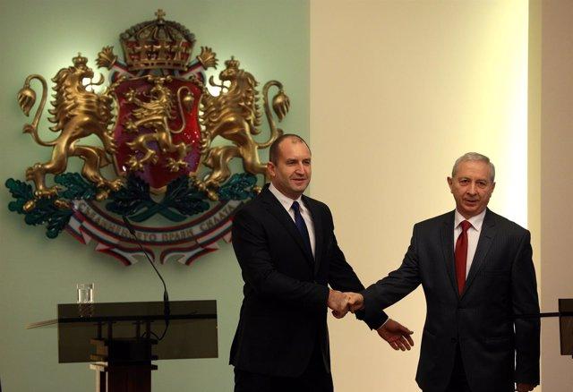 El presidente Rumen Radev y el primer ministro interino, Ognyan Gerdzhikov.
