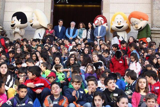 Os Bolechas visitan el Parlamento de Galicia