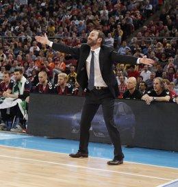 El entrenador de Baskonia, Sito Alonso