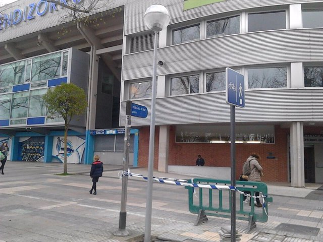 Ayuntamiento de vitoria mejora la iluminaci n del entorno del estadio de mendizorrotza - Iluminacion vitoria ...