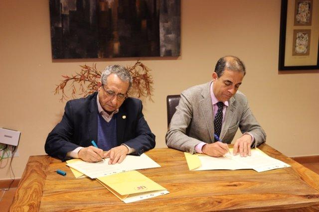 Firma de acuerdos por parte de José Ángel Narváez y Miguel Ángel Castro