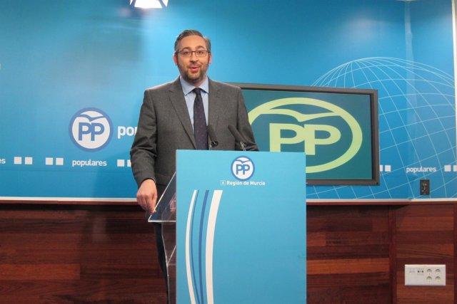 Víctor Martínez en rueda de prensa