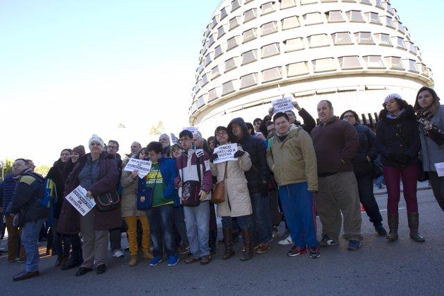 Protesta discapacidad ante el TC (Luis Domingo, Pl