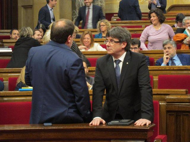 Oriol Junqueras y Carles Puigdemont antes del pleno de los Presupuestos 2017