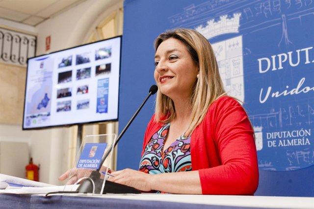 La diputada María López Asensio presenta este programa de sensibilización.