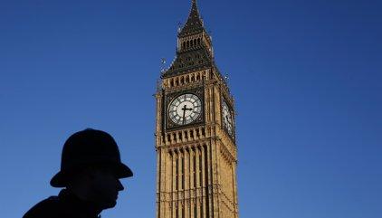 Cuatro muertos y veinte heridos en un ataque terrorista junto al Parlamento británico