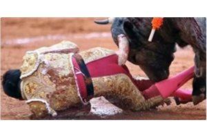 VÍDEO/ La cornada que destrozó el recto anal del torero mexicano Antonio Romero