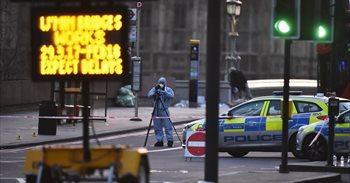 La Policía de Reino Unido confirma siete detenidos y pide a los medios...