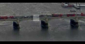 Un vídeo muestra el momento del ataque en Londres y cómo una mujer cae al...