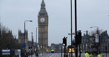 La Policia deté huit persones en relació amb l'atemptat de Londres