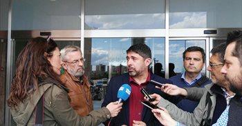 El edil de Podemos denuncia que llegaron a ofrecerle hasta la Alcaldía de...
