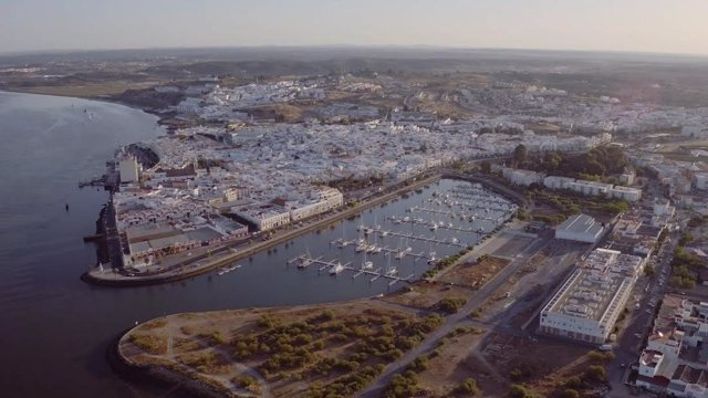 Vista general de zona marítima de Huelva.