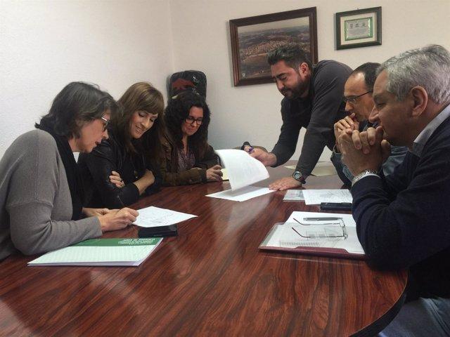 Reunión entre Junta y Ayuntamiento en El Campillo.